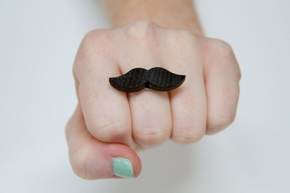 moustache bague