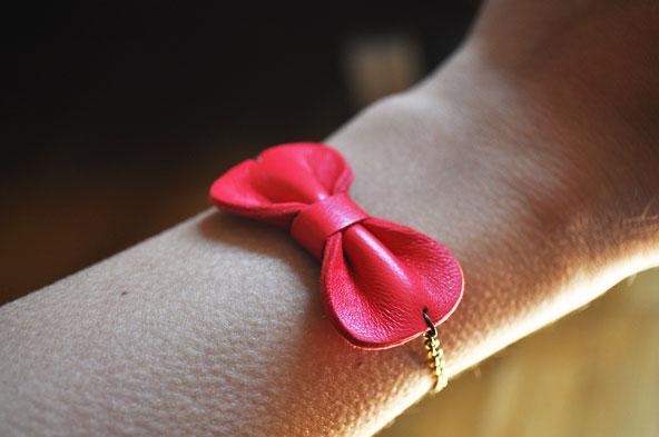 AnneLison - Bracelet noeud rouge