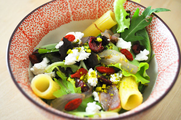 Salade roquette-chèvre-canneberge-goji