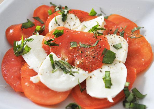 Tomate-mozza et sorbet avocat