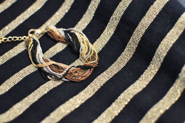 Tenue de fête avec bracelet Cleor
