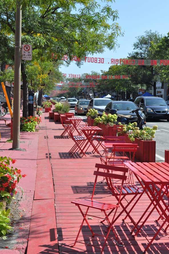 Terrasse rouge Saint-Denis - Montréal