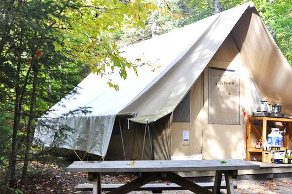 Camping au parc Mont-Tremblant - Tente Huttopia