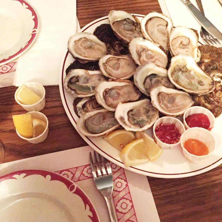 Soirée huîtres au Nouveau Palais - Montréal