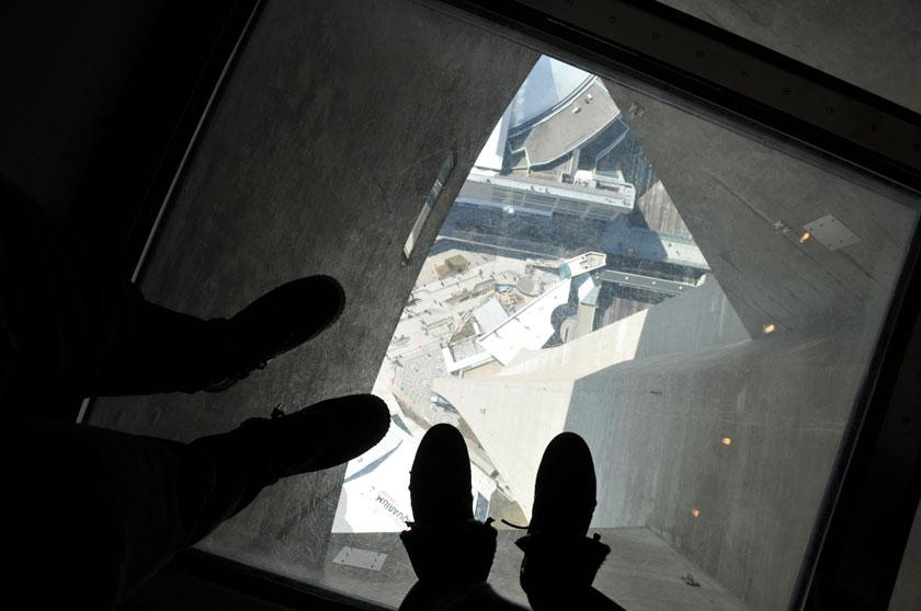 Plancher de verre - CN Tower (Toronto)