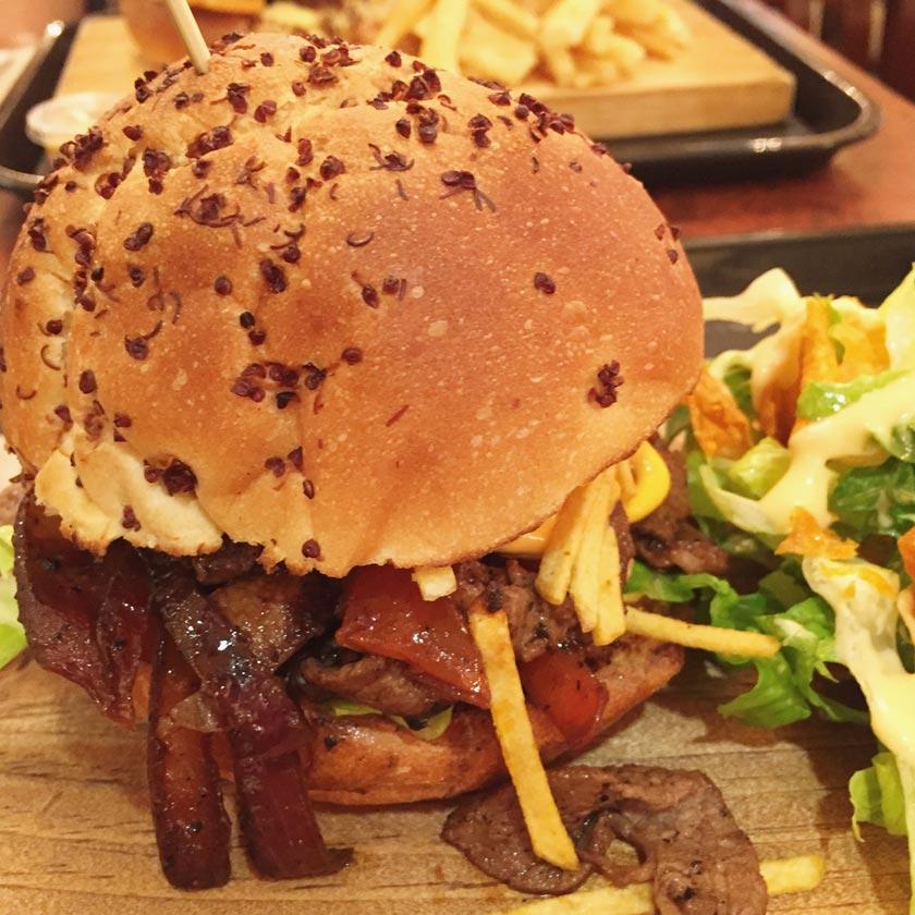 Hamburger Sandouchon (Montréal)